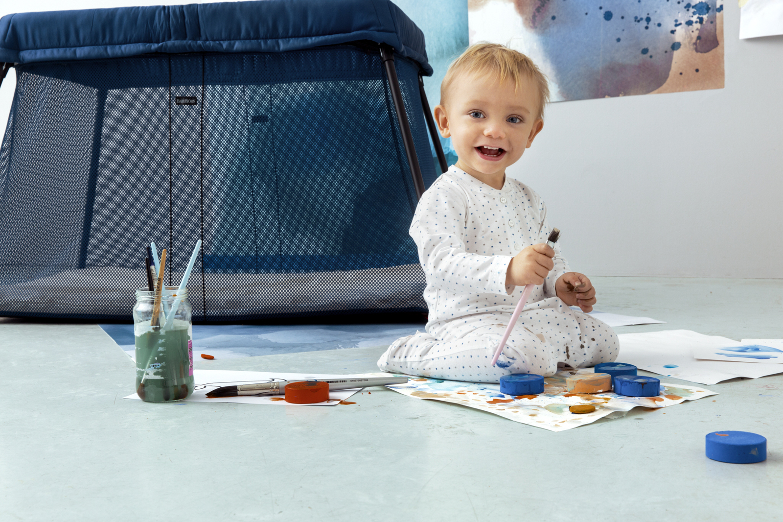 babybjorn travel cot light babyroad. Black Bedroom Furniture Sets. Home Design Ideas