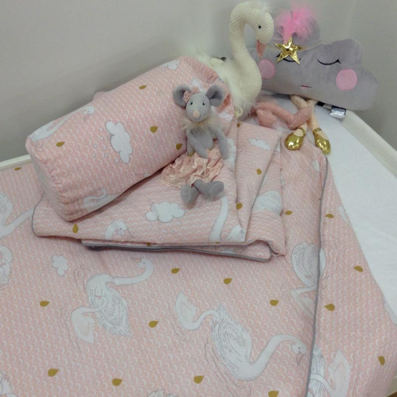 Jiggle and Giggle Swan Princess Cot Comforter